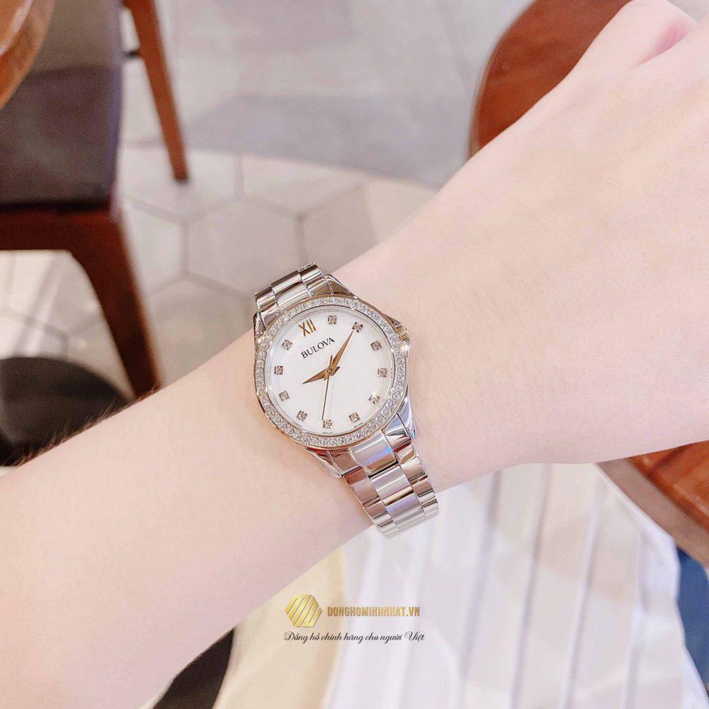 BULOVA 98X112 NỮ Two Tone Swarvoski Crystal Watch Box Set